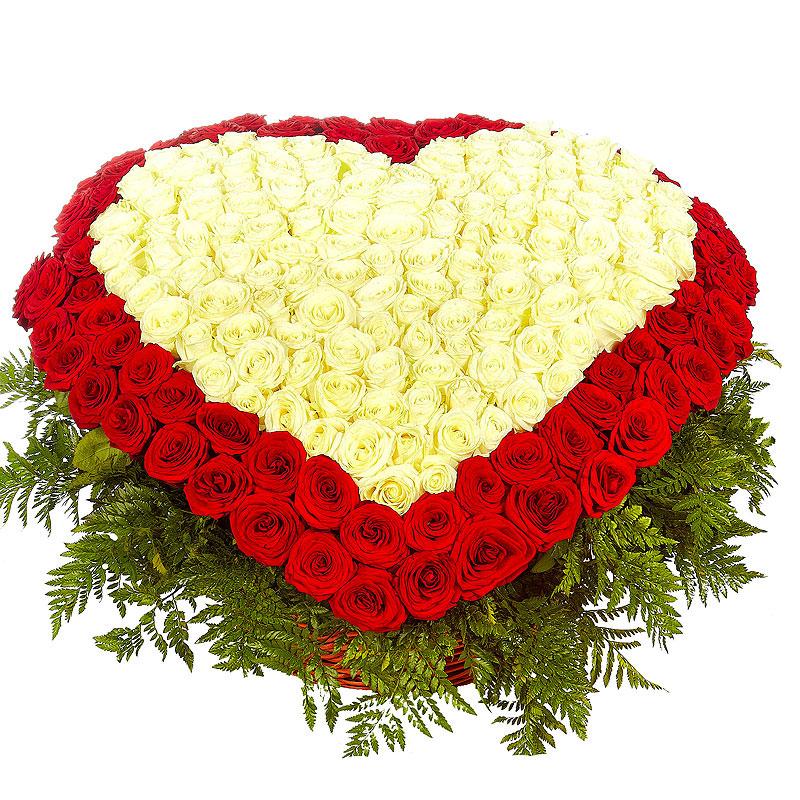 Корзина роз сердце